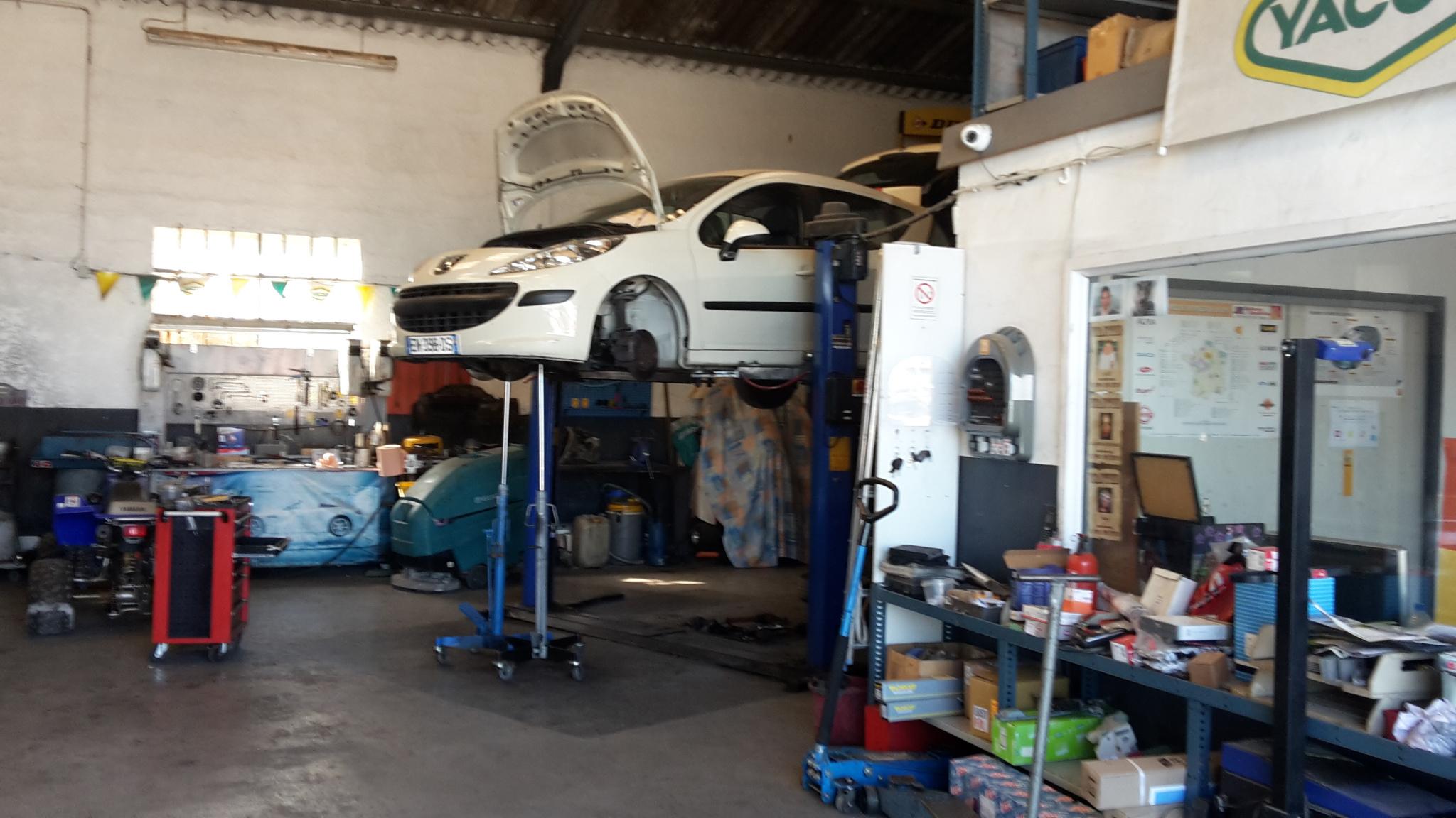Vente immobilier professionnel garage mecanique a l est de for Garage mecanique lyon 8