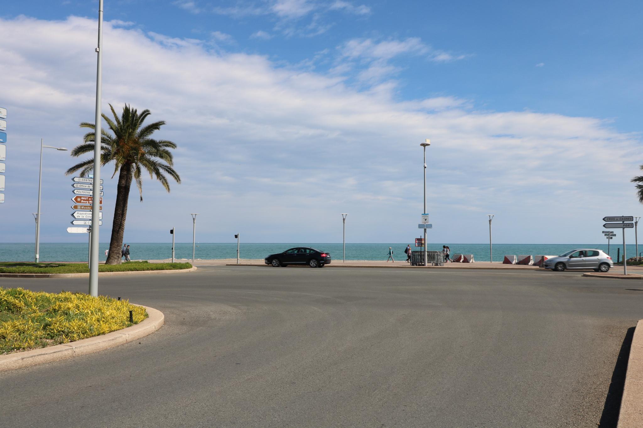 Hôtel bureau d'une vingtaine de chambres Antibes – Cagnes sur Mer  - Hôtel Restaurant