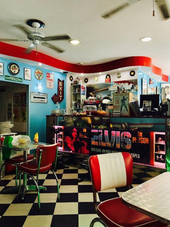 Snack bar de 40 couverts hyper centre de MENTON - Bar Brasserie
