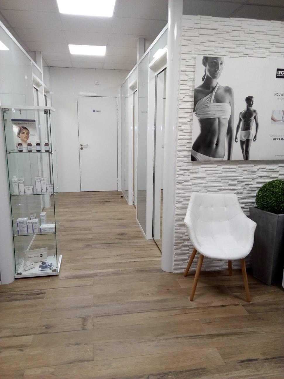 INSTITUT DE BEAUTE DE 65M2 AU CŒUR D'UN CENTRE COMMERCIAL DE CAGNES SUR MER - Salon de Coiffure Esthétique Parfumerie