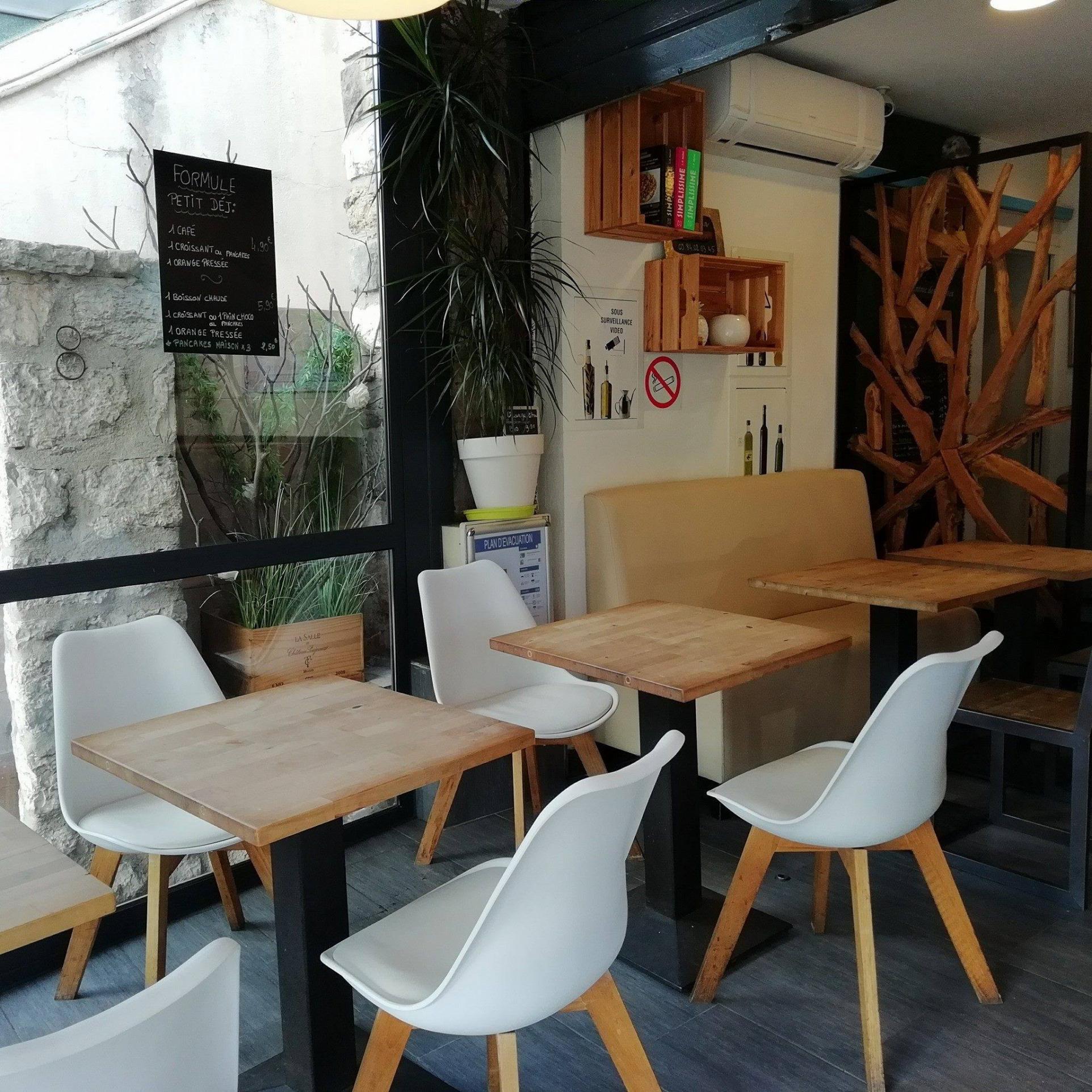 Top affaire de café /brasserie en tous points sur nouvel emplacement numéro 1 Cannes Ouest  - Bar Brasserie