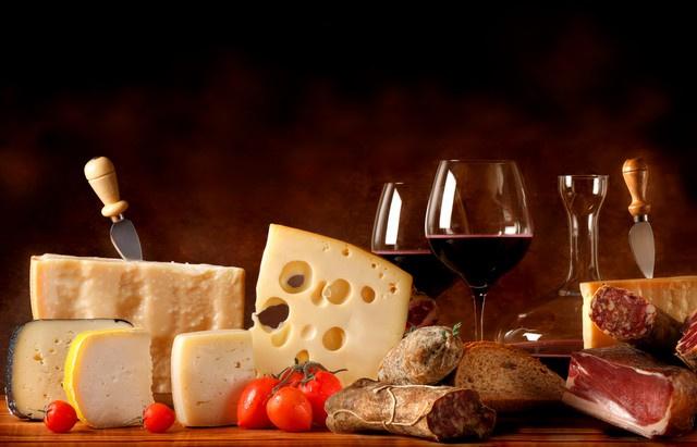 Fonds de commerce d'une fromagerie, épicerie fine à céder sur bel emplacement à Saint Raphael - Bureau Local Entrepôt