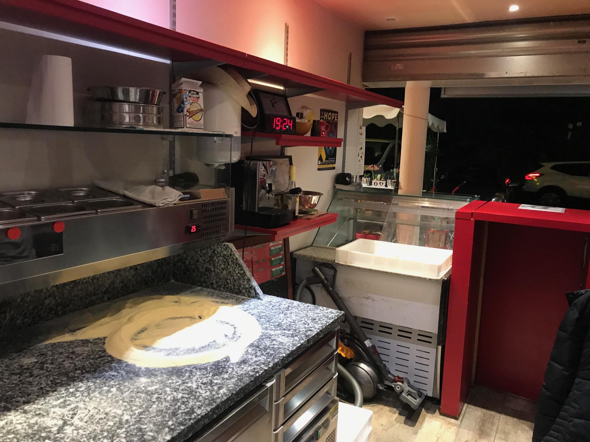 Pizzeria en VAE à Saint Raphaël sur bel emplacement - Crêperie Pizzeria