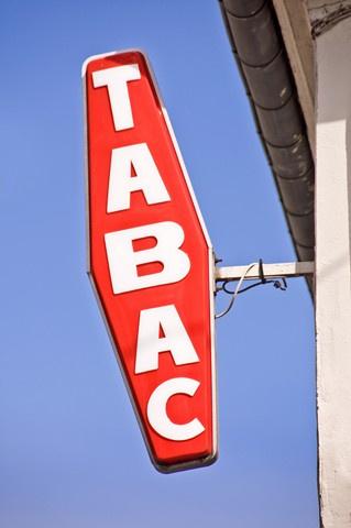 Tabac Loto Civette de centre-ville avec superbe logement sur 3 étages, cave et réserve, compris dans le prix d - Tabac Loto Presse