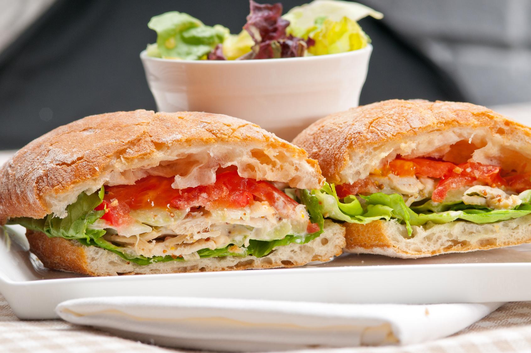 Snack-Crêperie en affaire de jour avec 100 places face à la mer proche Monaco.  - Crêperie Pizzeria