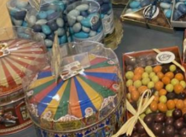 Boutique gourmande aux saveurs d'antan dans le cœur historique de Cannes - Bureau Local Entrepôt